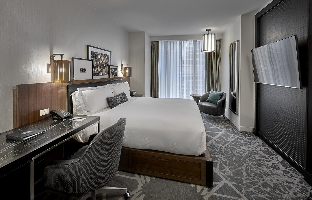 فنادق في شيكاغو تقدم فرصة الاستئجار اليومي لغرفها كمكاتب عمل خاصة