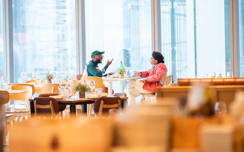 لا طعام بلا لقاح: شروط جديدة لدخول المطاعم في أنحاء الولايات المتّحدة